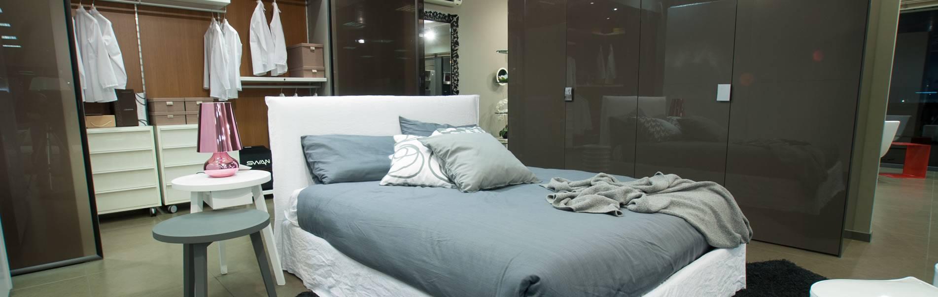 Esempio di camera da letto disponibile nello show room di Bassi Design a Piacenza