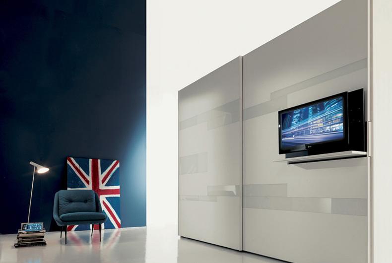 Armadio Emotion con supporto per la televisione. Modello del brand Fimar