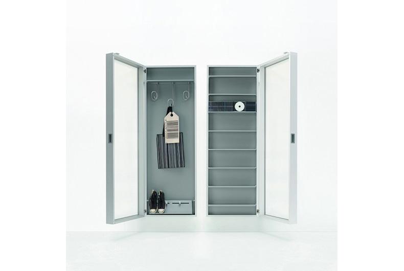 Contenitore Box del brand Kristalia, perfetto per inserire i tuoi oggetti in poco spazio