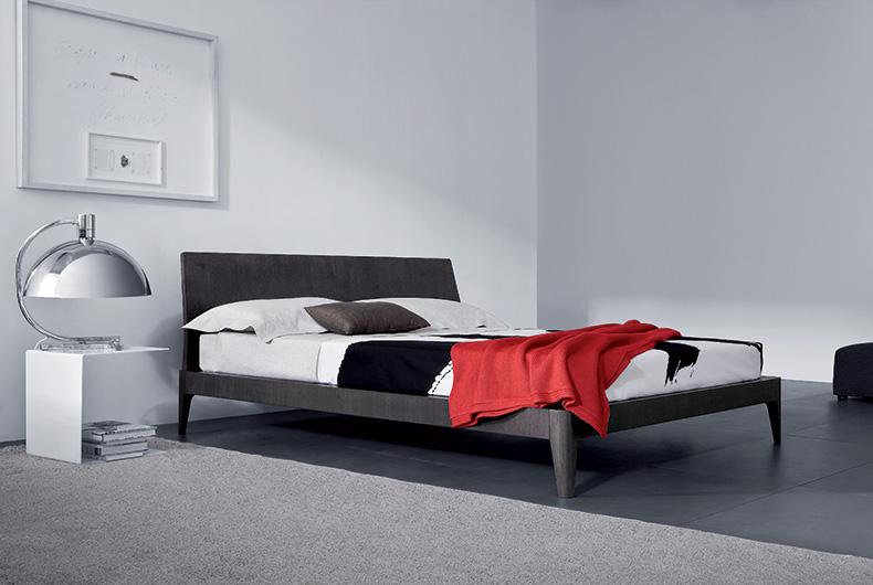 Letto modello Spillo di Pianca, venduto da Bassi Design