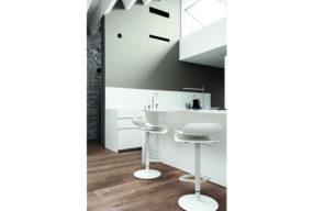 Sgabelli Bianchi BCN Di Kristalia, Online Su Bassi Design