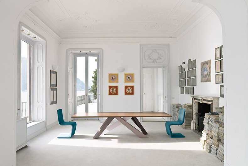 Tavolo Big Table e sedie Venere di Bonaldo