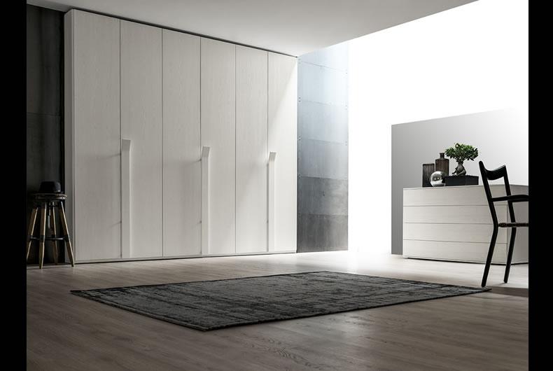 armadio-santa-lucia-battente-projecta-liscia-2 - Bassi Design Piacenza