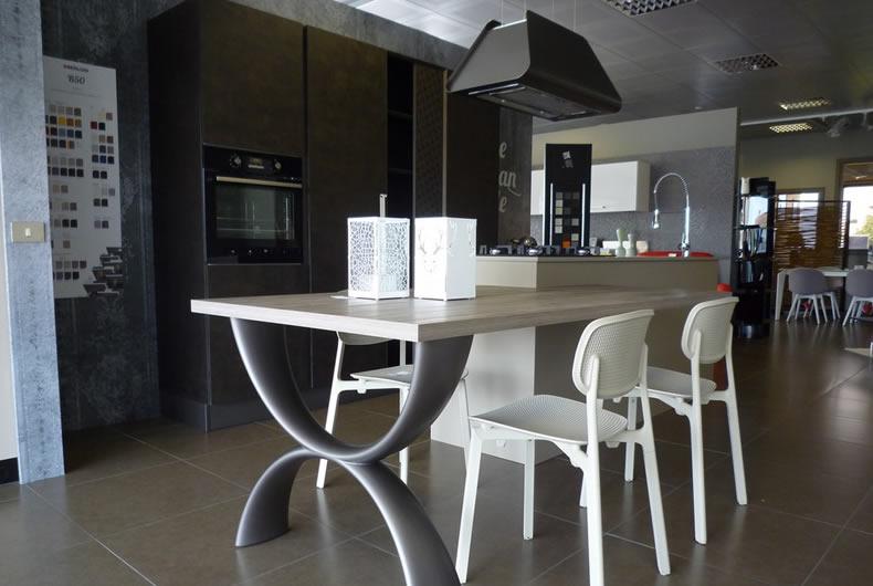 Tavoli Da Cucina Berloni.Cucina Berloni Expo 6 Bassi Design Piacenza