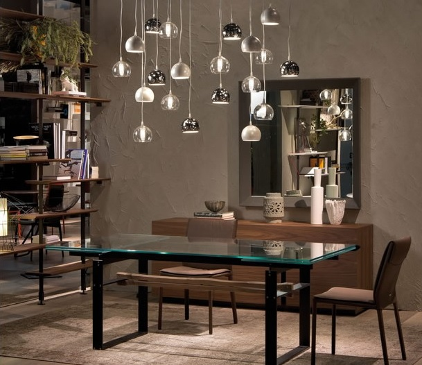 Lampada Eclipse Di Cattelan Italia Inserita All'interno Di Un'area Living